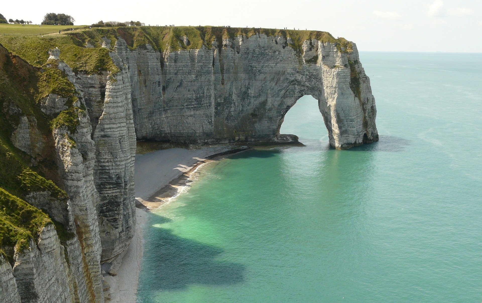 Etretat-cliff-beach